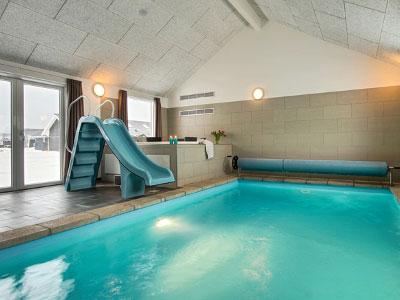Flensburger Förde Poolhaus innen