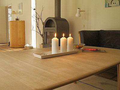 lupinhus bei nyk bing auf falster auf gut eingewachsenem. Black Bedroom Furniture Sets. Home Design Ideas