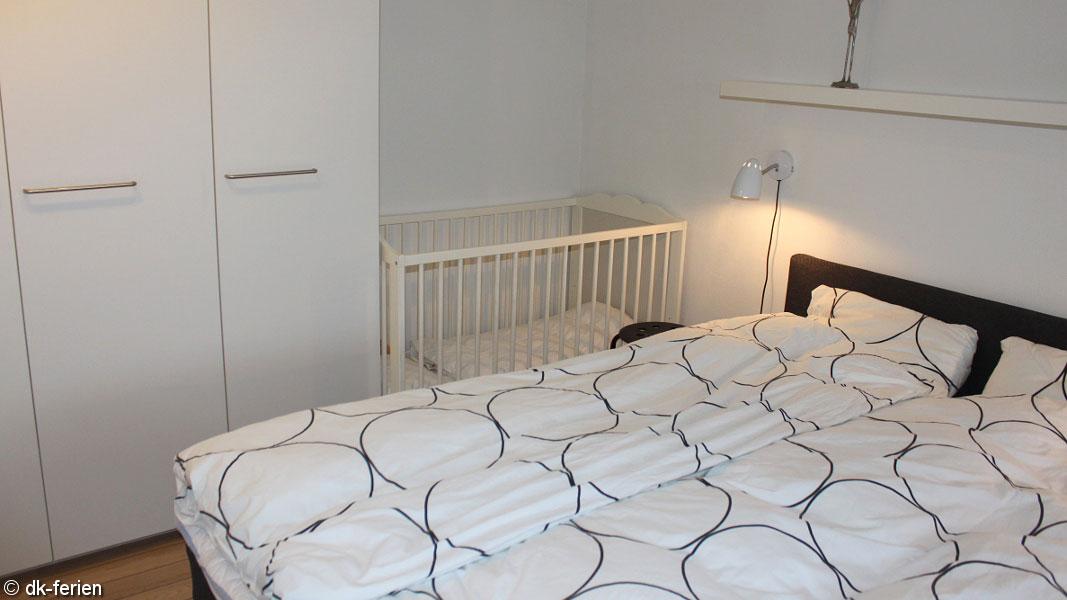 kleine fliegen im schlafzimmer. Black Bedroom Furniture Sets. Home Design Ideas