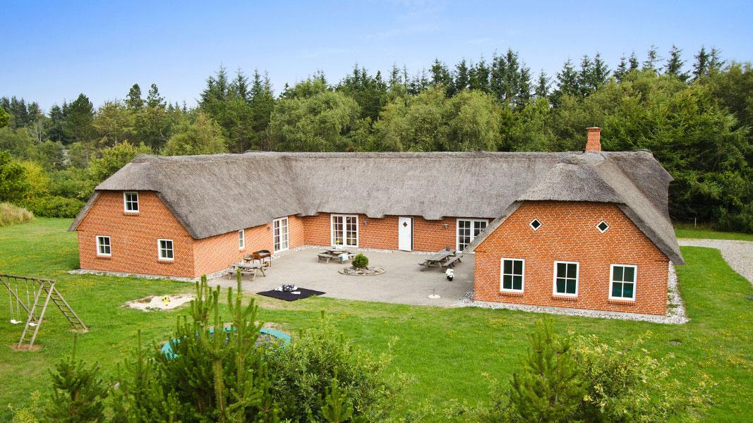 Husby Poolhaus außen