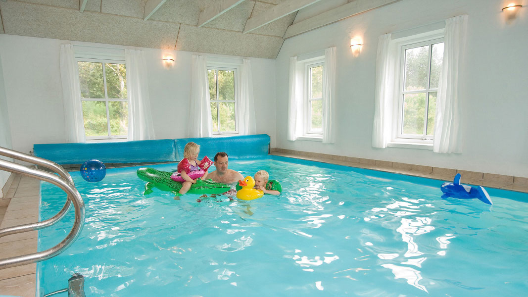 Husby Poolhaus innen