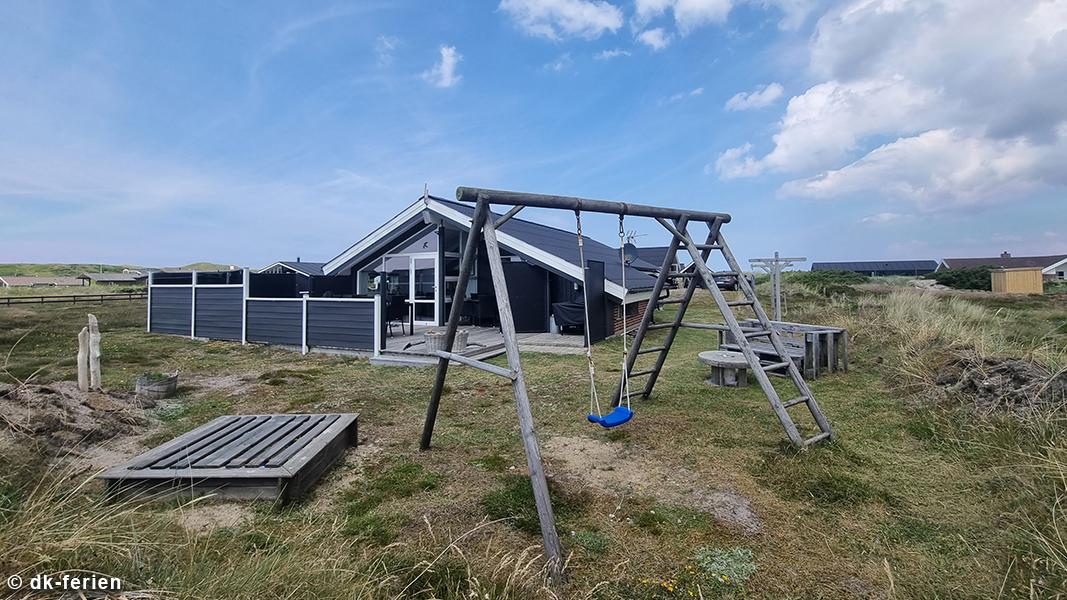 Sommerhus Bjerregård außen