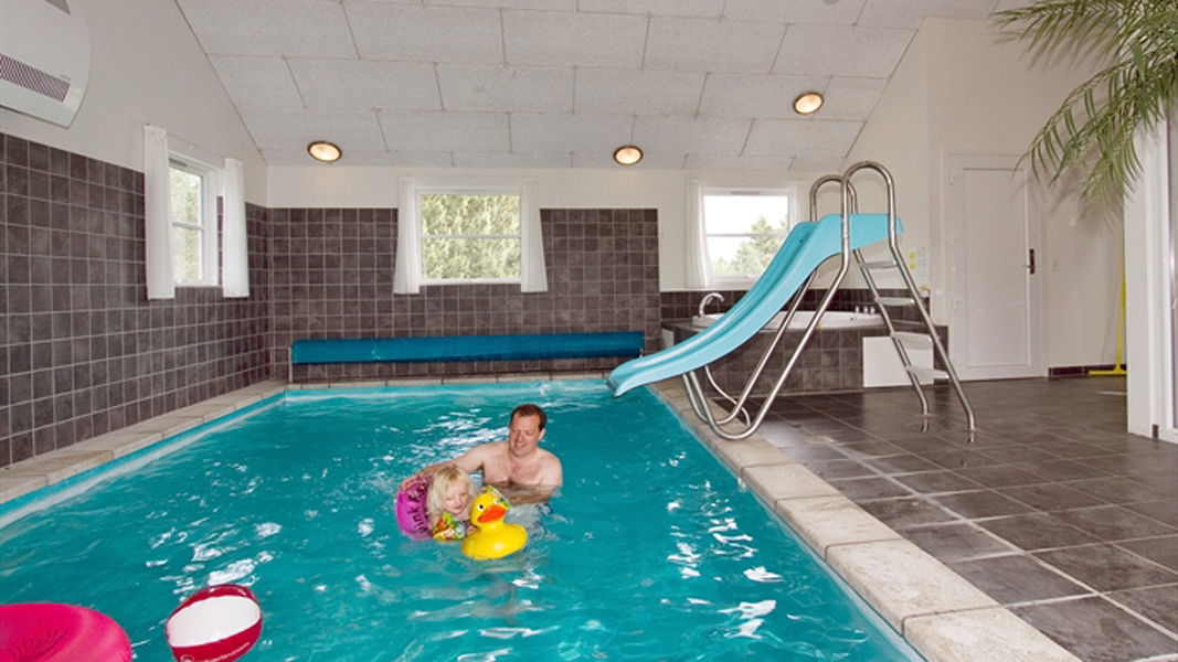 Engesø Aktiv-Poolhus innen