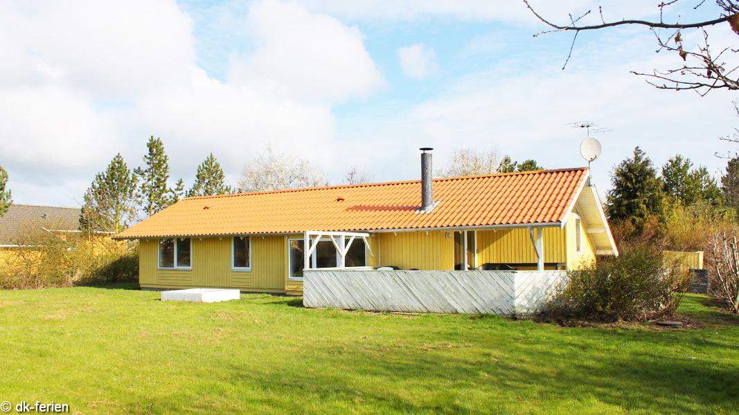 Pøt Strandby Hus außen