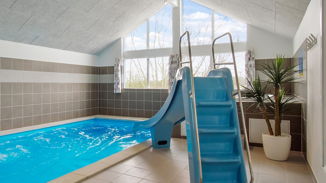 Schleswig Poolhaus innen